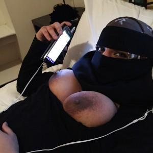 Moslimas met burka zoekt geile sexdate!